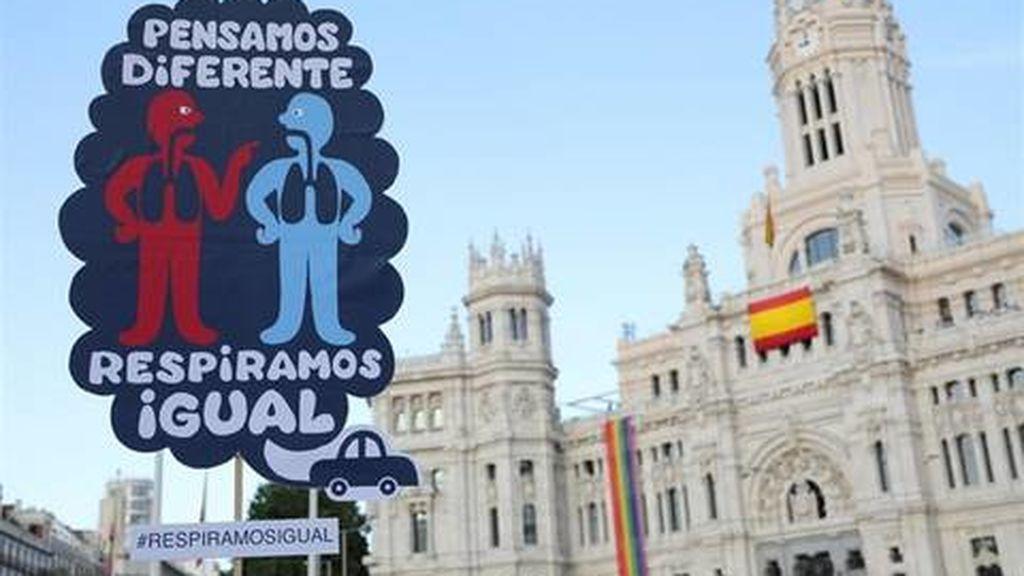 Bruselas avisa: pide medidas más drásticas contra la contaminación a Madrid y Barcelona
