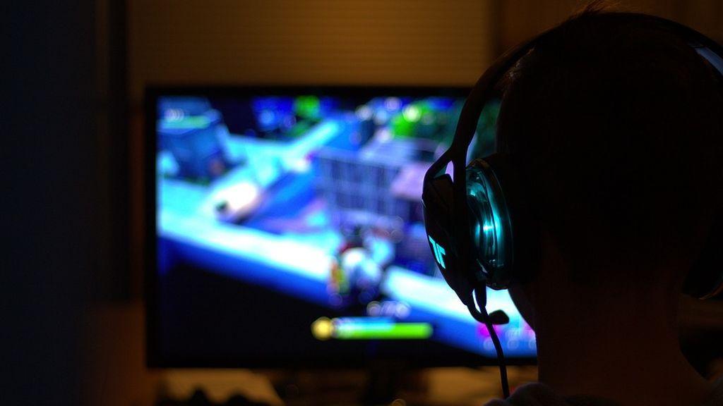 Un jugador de Fortnite agrede a su pareja embarazada en medio de una retransmisión en directo