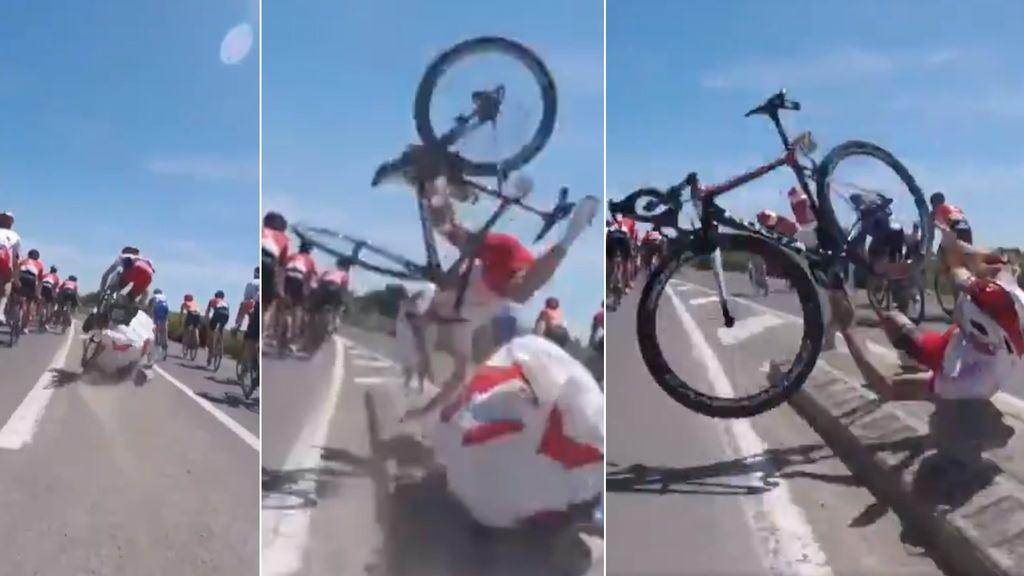 La tremenda caída de un ciclista en el Tour de Francia captada por la cámara a bordo de otro corredor