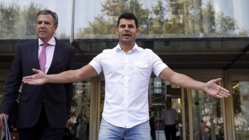 La justicia da la razón a Javier Sánchez y dice que es hijo de Julio Iglesias