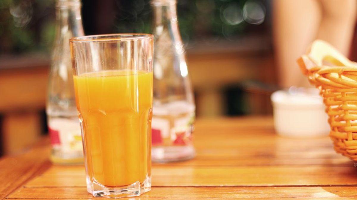 Un pequeño vaso de refresco o zumo natural al día incrementa el riesgo de cáncer