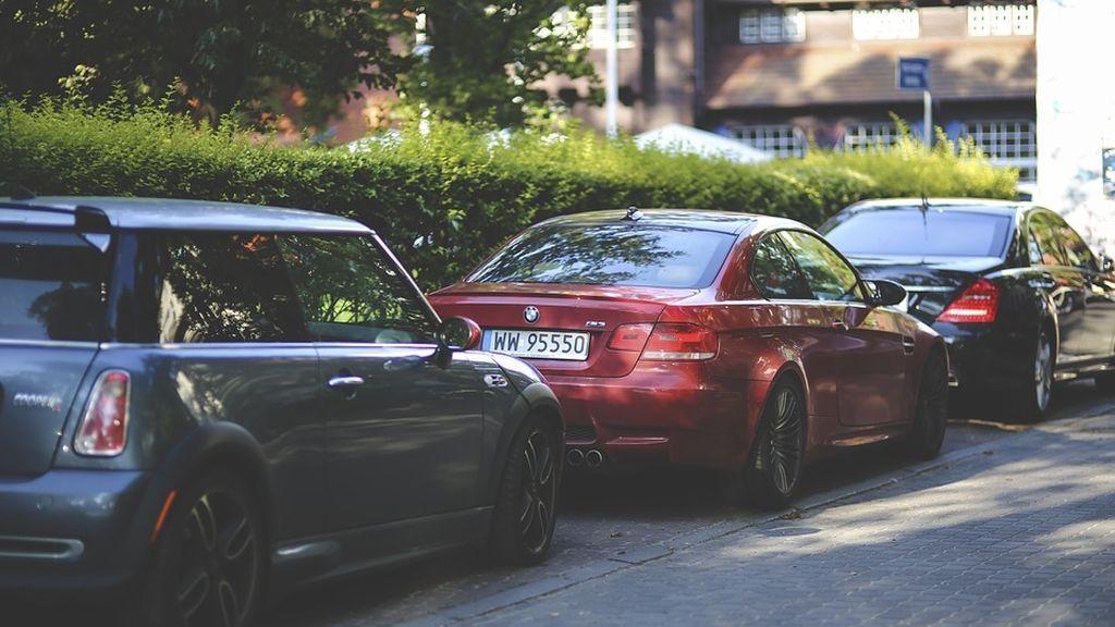 Aparcar tu automóvil en paralelo y con una sola maniobra ya es posible