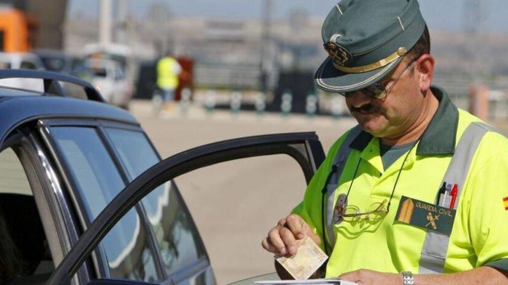 A sus 88 años y con restricciones para conducir va con su seat Ibiza a 156 km por hora en una autovía de 90