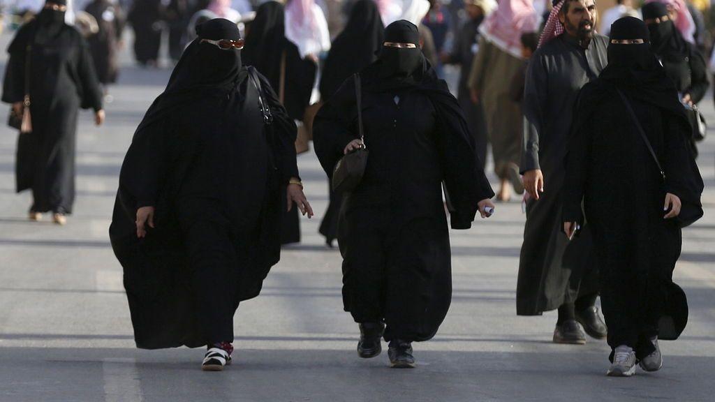 Arabia Saudí levantará a final de año la prohibición de viajar al extranjero a las mujeres