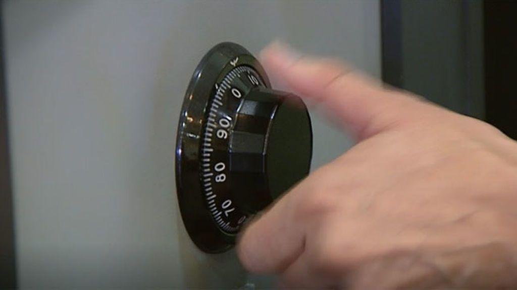 Roban una caja fuerte y tienen que abandonarla porque no el ascensor se bloqueó por el peso