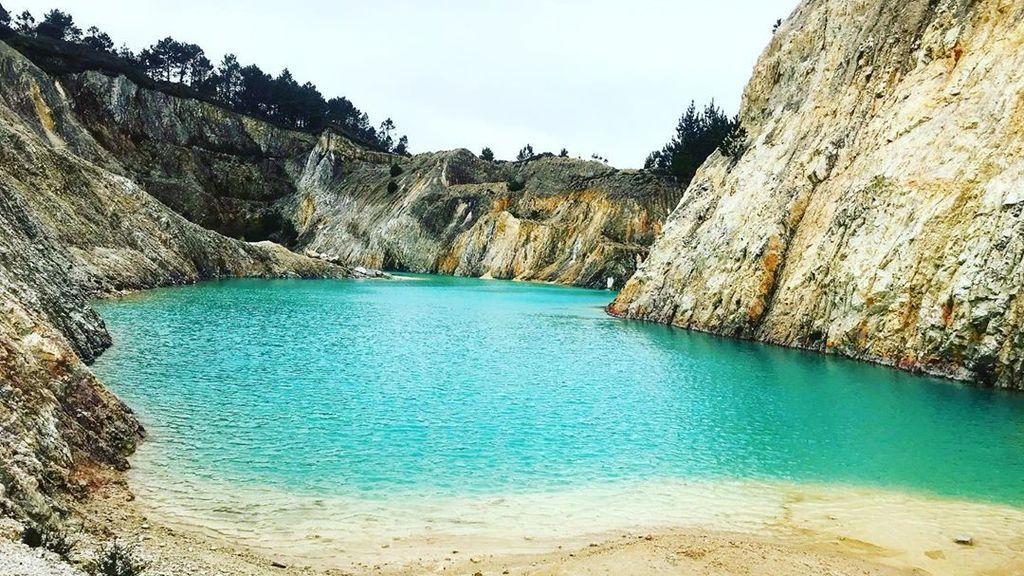 El postureo sale caro: instagramers hospitalizados por bañarse en una balsa contaminada de Galicia