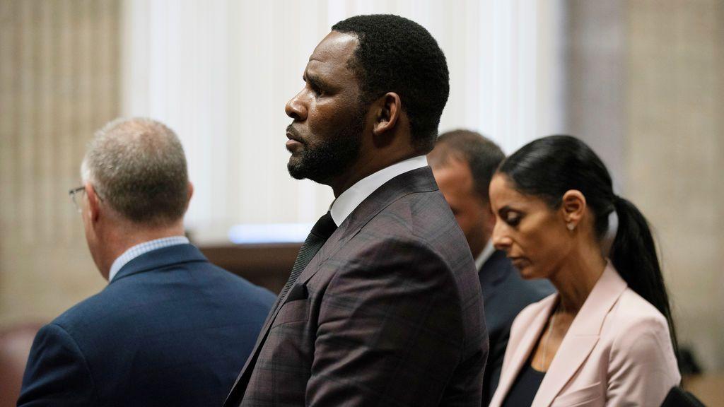 Detienen, otra vez, al cantante R. Kelly por pornografía infantil
