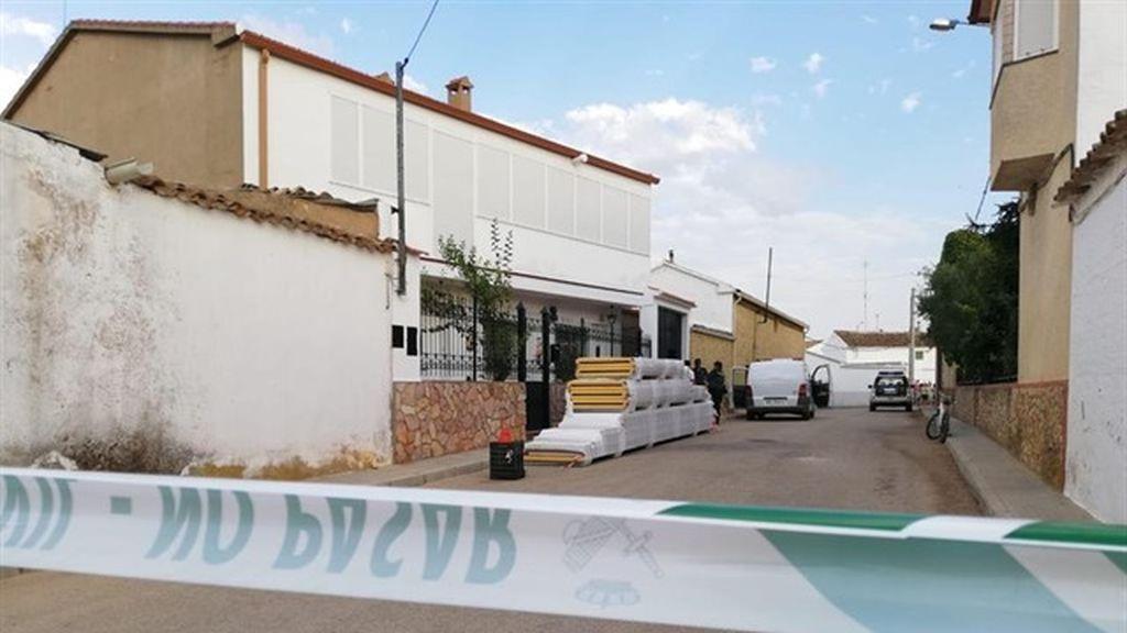 La anciana fallecida en Casas de Benitez ha sido disparada por su hijo, que después se ha quitado la vida