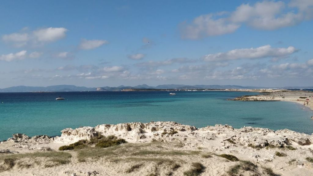 Muere un bañista al ser arrollado por una embarcación en Ses Illetes (Formentera)