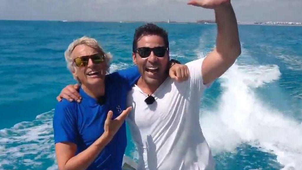 La increíble aventura de Pablo Chiapella en la nueva temporada de 'Planeta Calleja': Nadan con el tiburón ballena