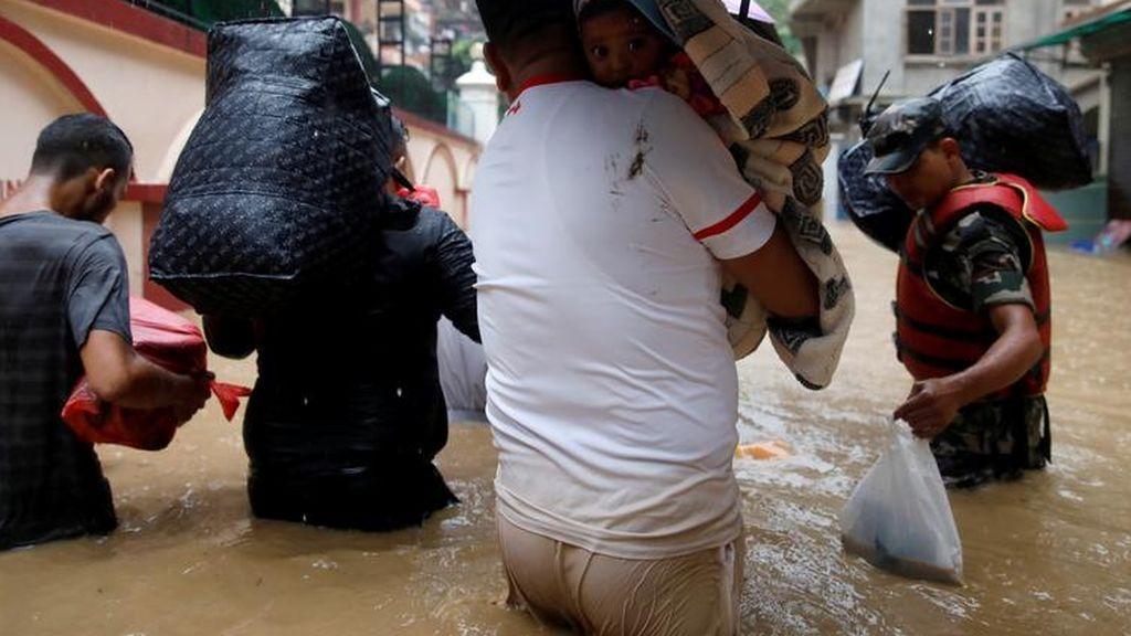 Ascienden a 43 los fallecidos por las inundaciones y los deslizamientos de tierra en Nepal