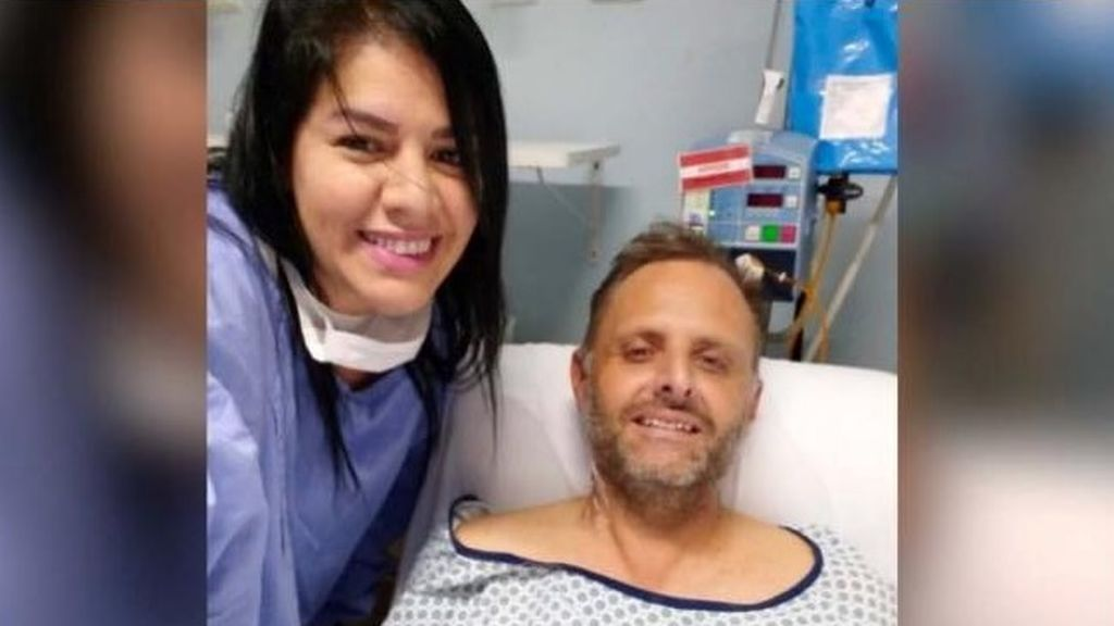 Una mujer salva la vida de su exmarido al donarle un riñón