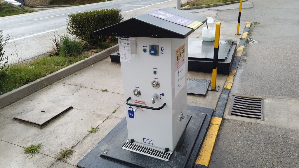 Máquina de vaciado de aguas fecales
