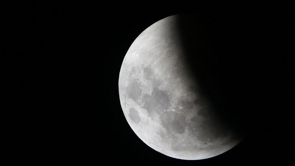 Mira al cielo: el martes tendremos un eclipse de Luna que será visible en toda España