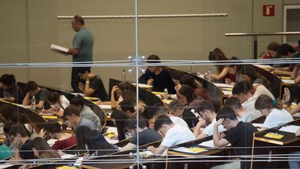 Una cuarta parte de los profesores universitarios trabajan a tiempo parcial y cobran 400 euros