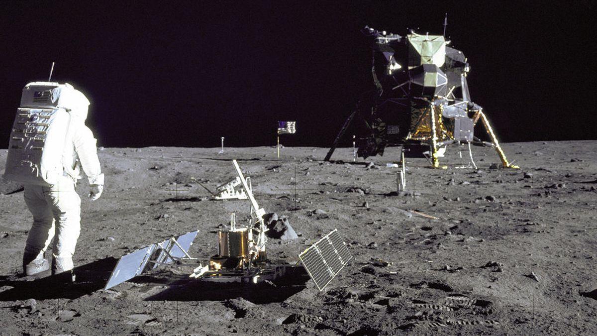 Sigue la llegada del hombre a la Luna, contada en Twitter y a tiempo real