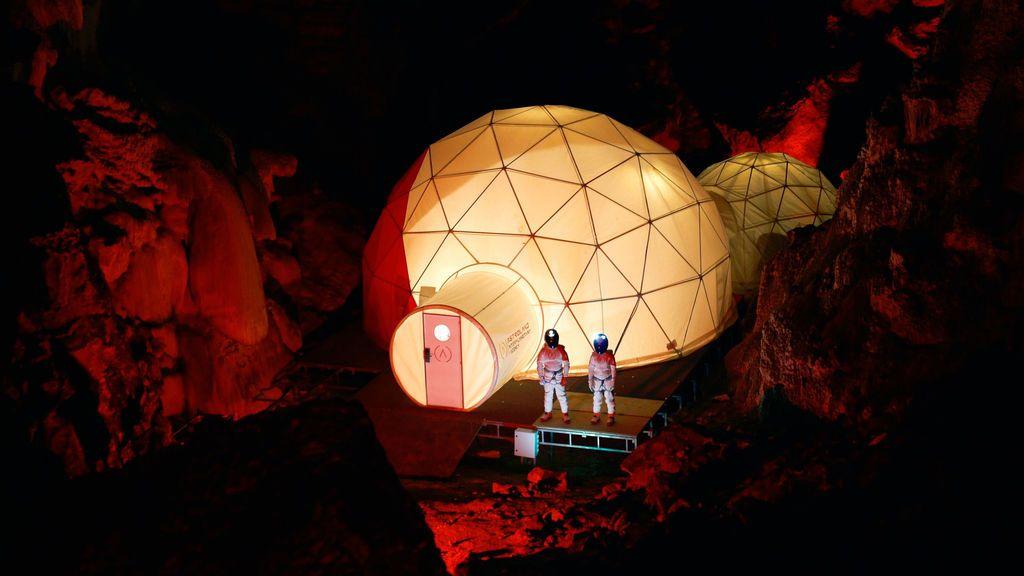 Estación espacial en una cueva de Arredondo