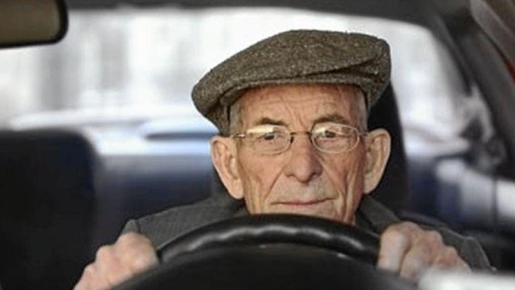A la DGT le preocupan más los yayos al volante que los jóvenes
