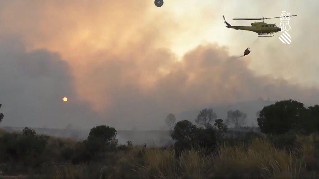 Estabilizado el incendio de Beneixama, que ha afectado a casi 900 hectáreas