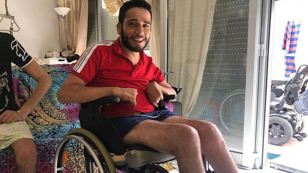 """Youssef Sayah, el tangerino en silla de ruedas que circuló por una autovía en Barcelona lo hizo """"por rabia y necesidad"""""""