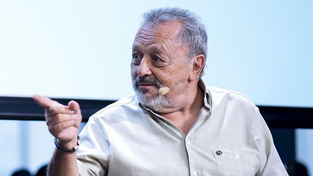 """Carlos González, responsable de las comunicaciones con el Apolo11: """"No fui consciente del hito histórico hasta terminar mi turno"""""""