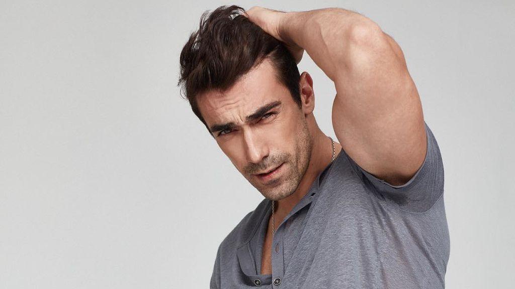 Modelo, deportista y está casado: así es Ibrahim Celikkol, el actor que interpreta a Ferhat en 'Amor en blanco y negro'