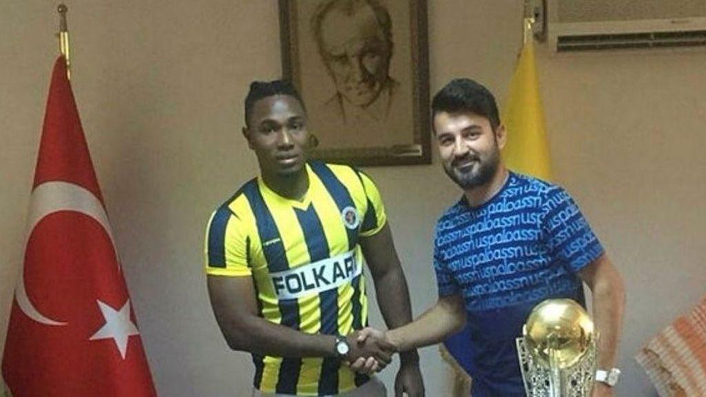 Un club turco se equivoca de jugador al fichar y le despide 24 horas después aludiendo problemas médicos