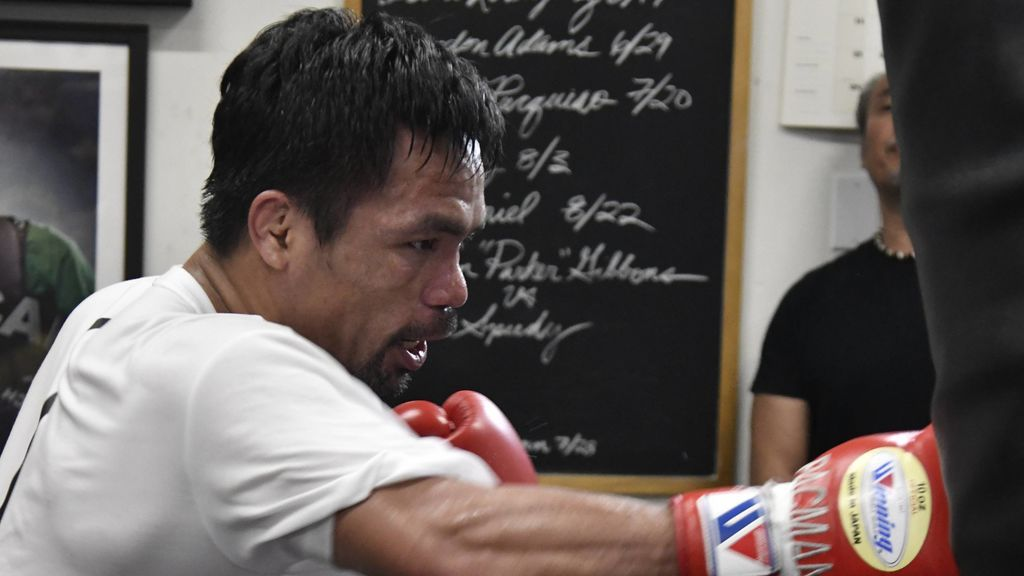 El entrenamiento de Pacquiao para boxear a los 40 años: 14 km corriendo, 2.500 abdominales, cuatro horas de baloncesto y gimnasio