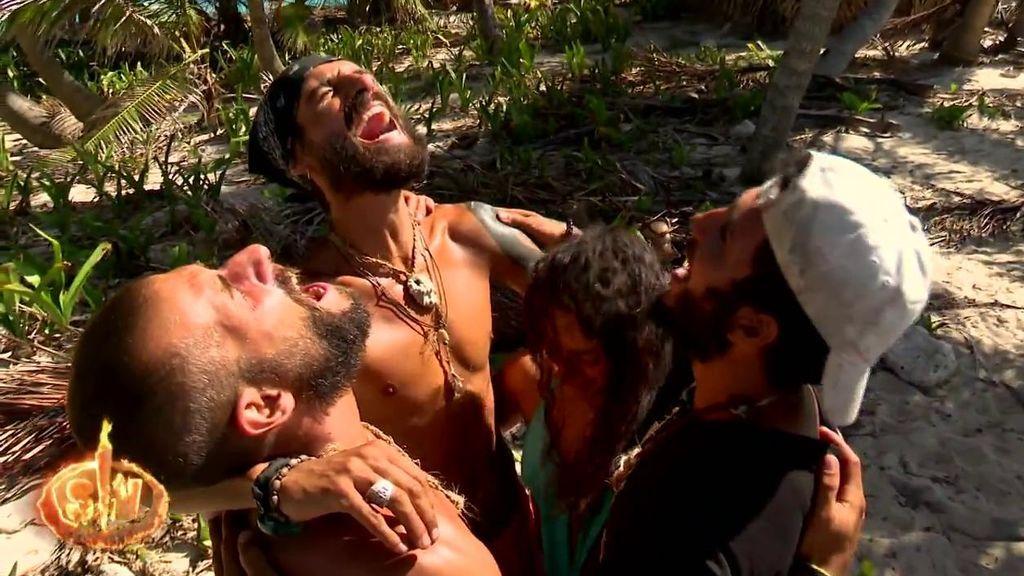 Albert, Omar, Fabio y Mahi no pueden evitar las lágrimas en su último día en los Cayos