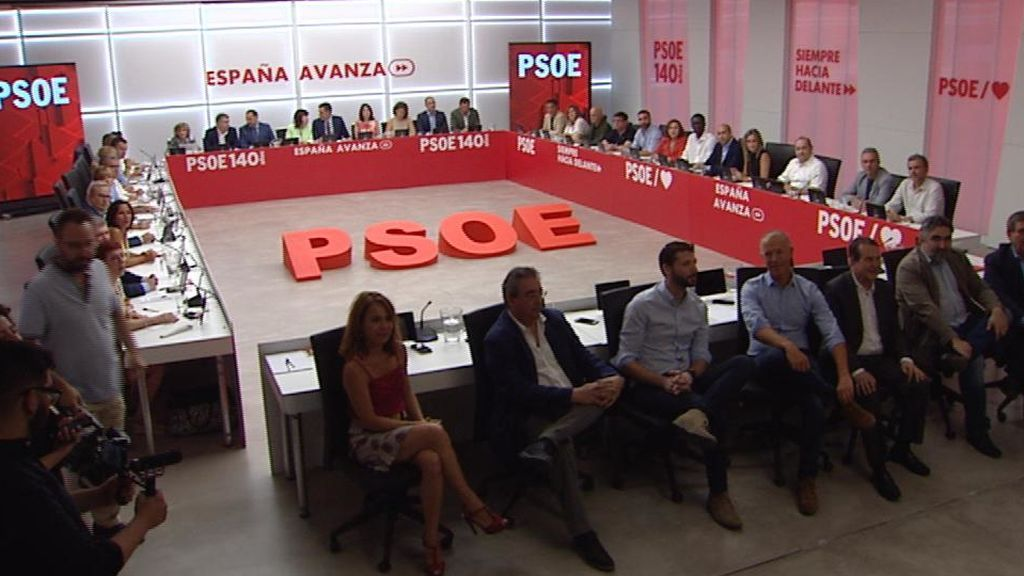 Pablo Iglesias pidió a Pedro Sánchez ser su 'vicepresidente social' y  dos ministerios a cambio de su apoyo