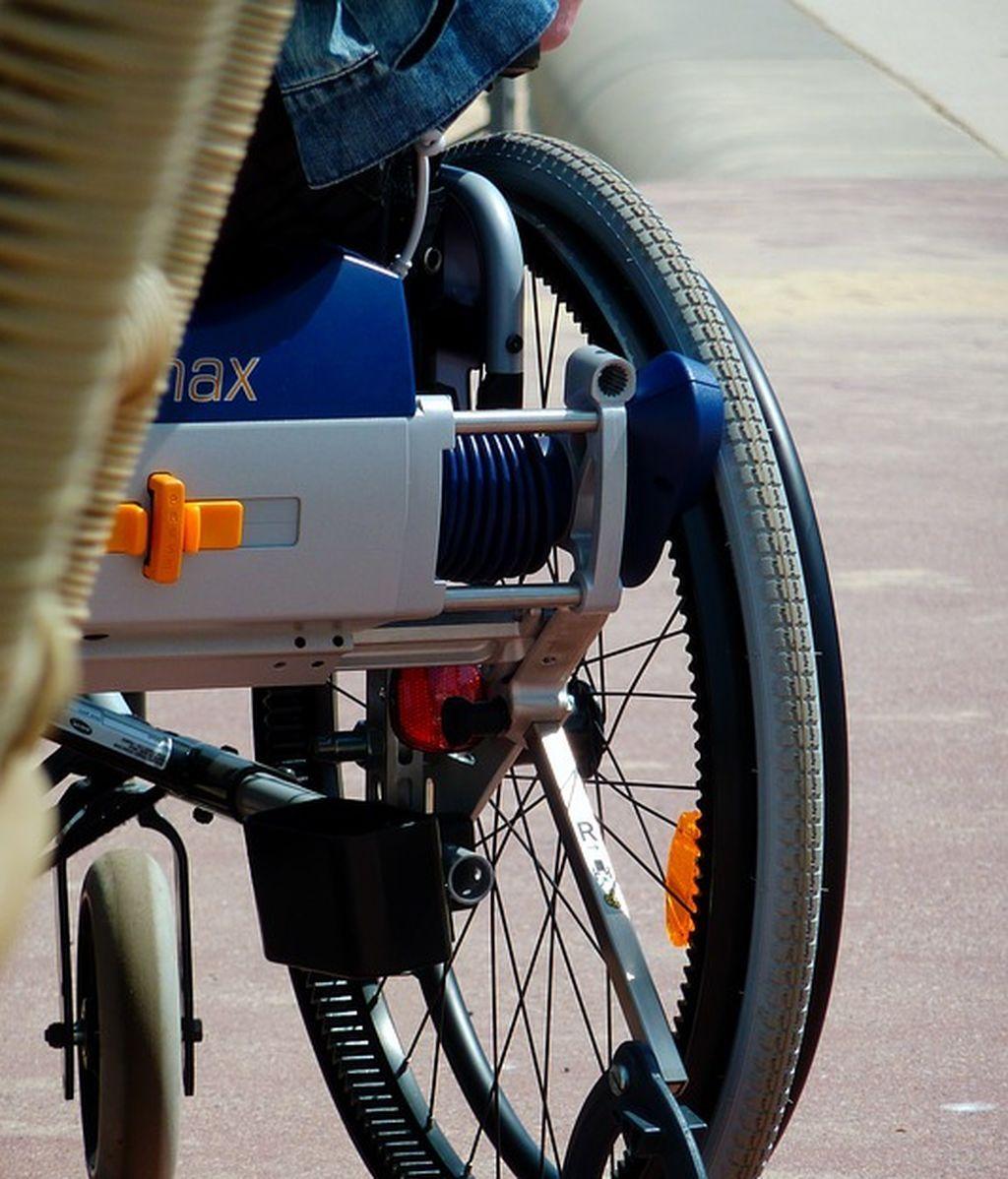 Una cadena de grandes almacenes crea disfraces adaptados para niños en silla de ruedas en EE.UU.