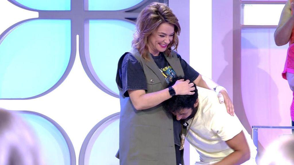 Omar descubre que Toñi está embarazada