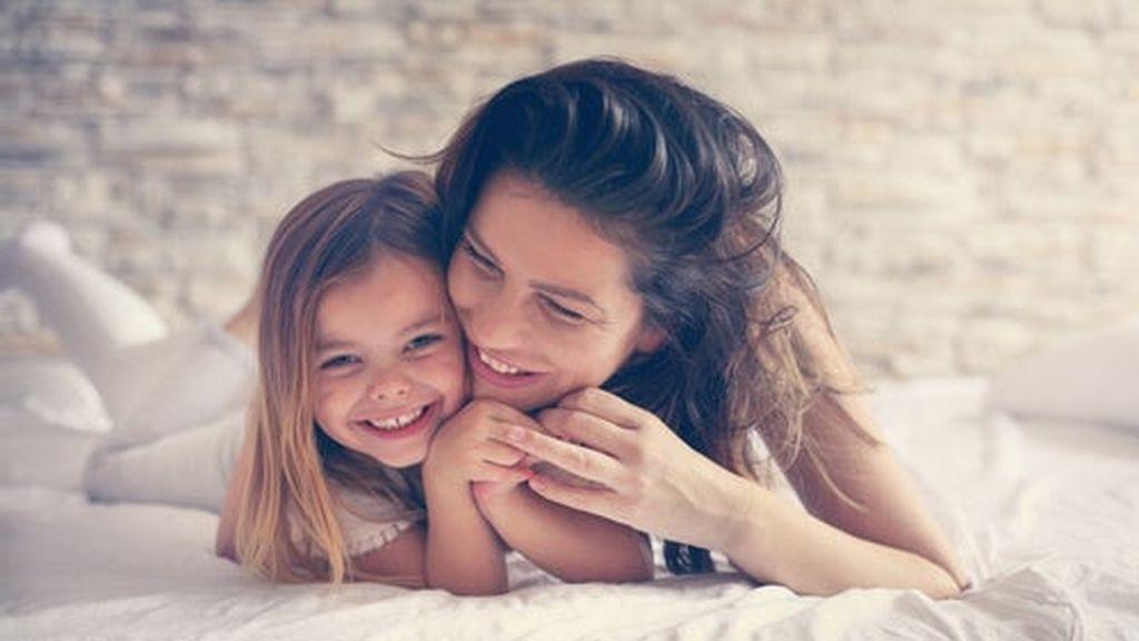 madre-hija-sonriendo