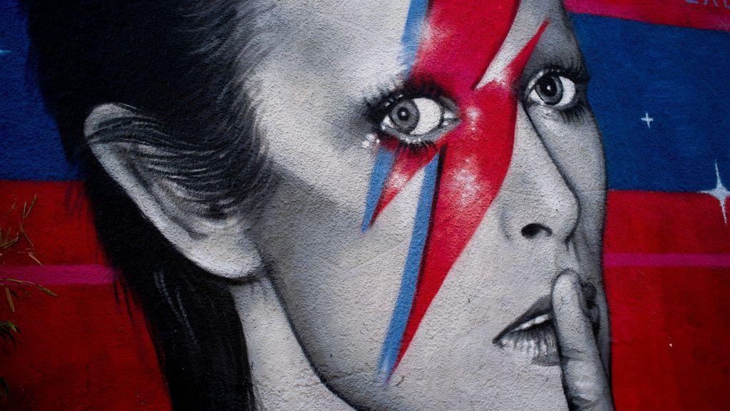 'Space Oddity' cumple 50: la mítica canción de Bowie que acabó convertida en una balada italiana cursi
