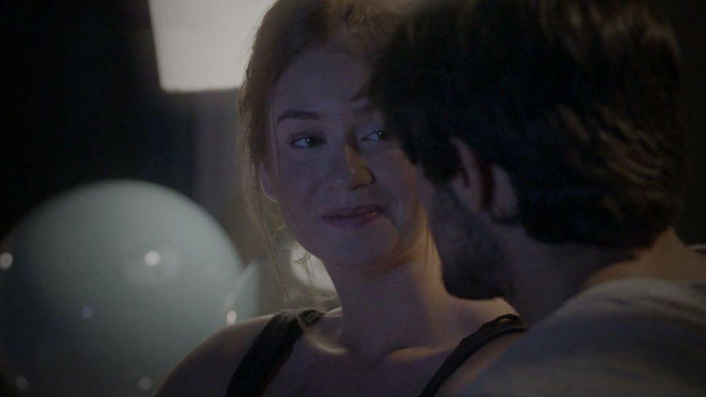 Eliza y Jonathan se reconcilian