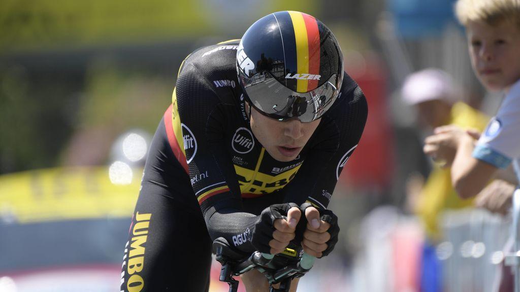 La espeluznante caída de Wout Van Aert tras engancharse la cabeza con una valla en el Tour de Francia