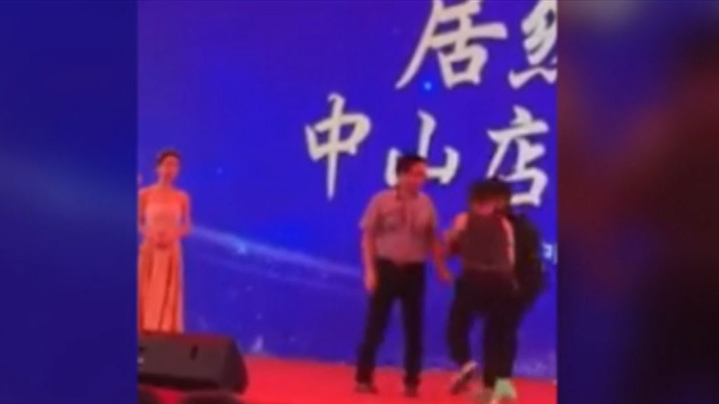 El actor Simon Yam se encuentra fuera de peligro tras ser apuñalado sobre el escenario