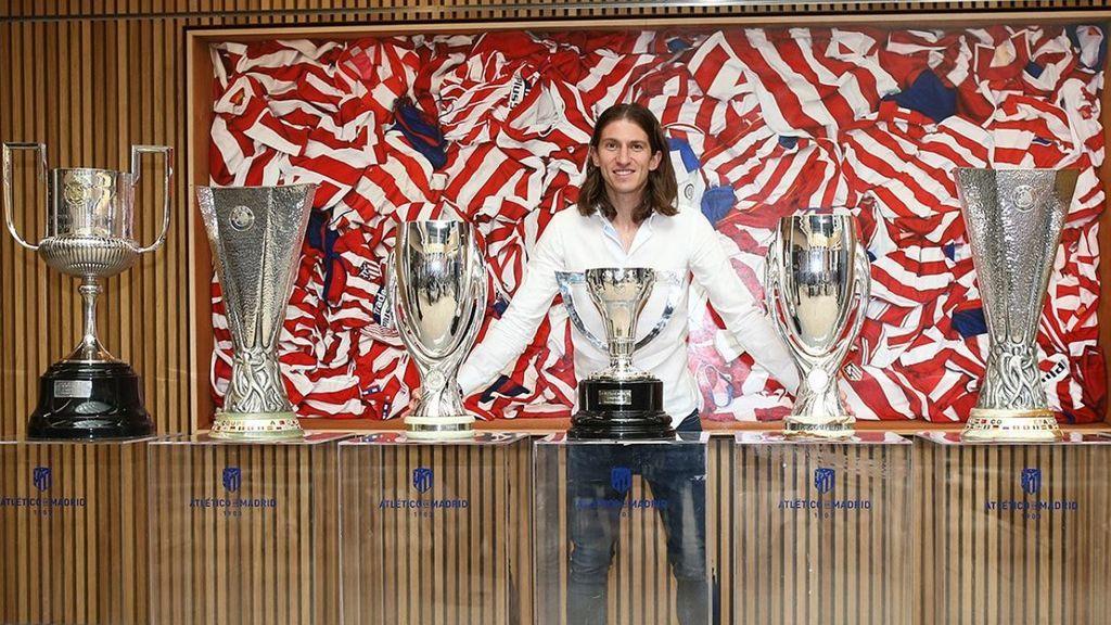 """Filipe Luis se despide del Atlético de Madrid tras 333 partidos: """"En el futuro viviré dentro de este club"""""""