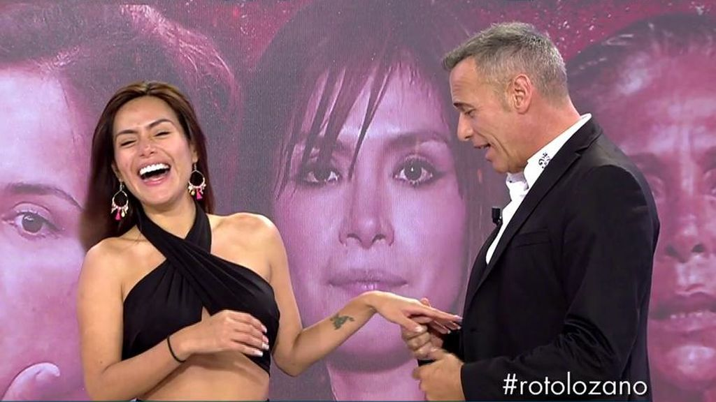 Carlos Lozano le pide matrimonio a Miriam Saavedra y ella le hace dos cobras