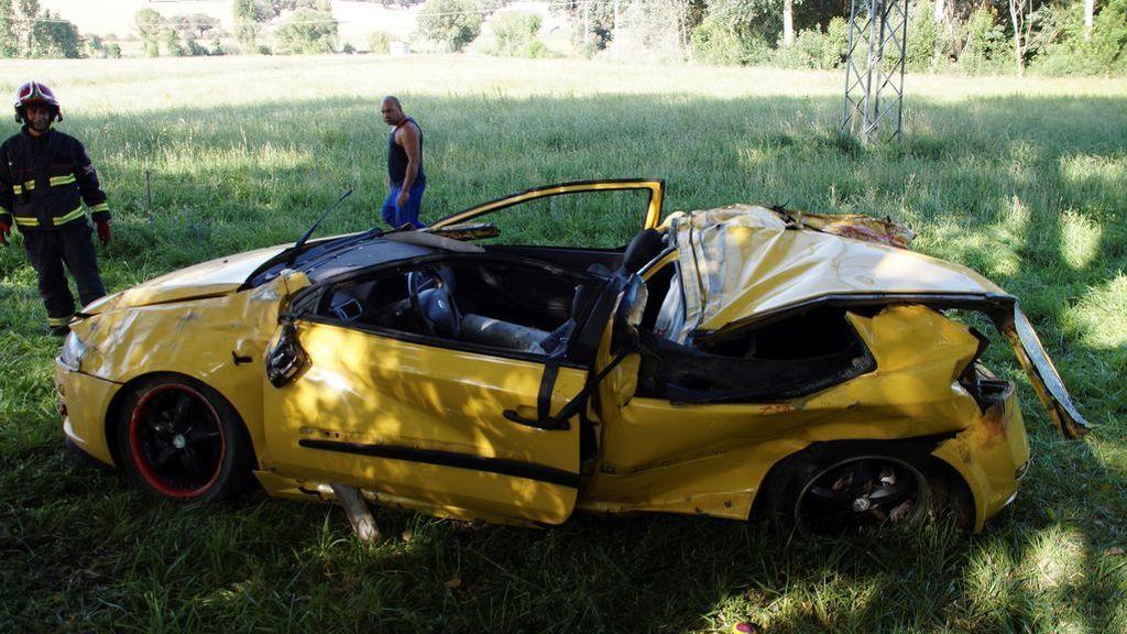 Dos menores y un joven, los fallecidos en un accidente de coche en Salamanca