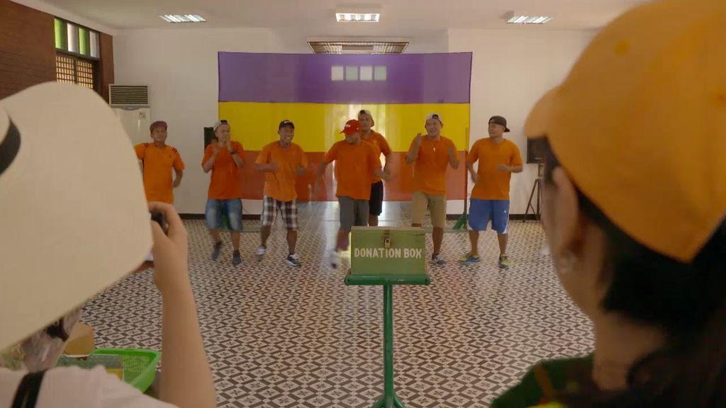 La prisión de Iwahig, atracción turística de Filipinas: los presos venden sus productos y hacen bailes para los visitantes