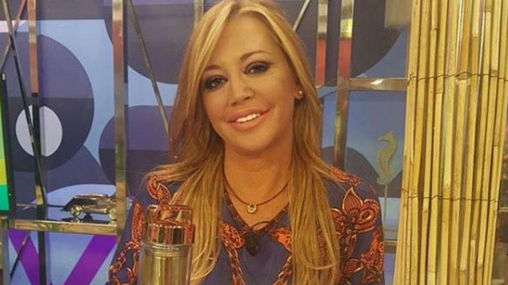 """Belén Esteban posa por primera vez con Miguel tras la boda durante sus vacaciones en Málaga: """"Mi amor"""""""
