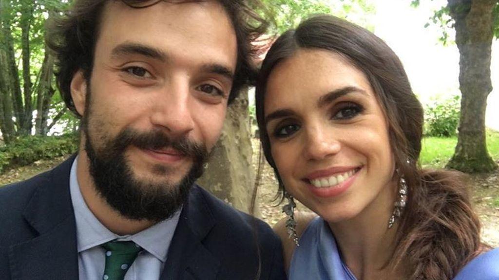 """El truco de Elena Furiase para el posado piscinero perfecto: """"Cuanta más sombra mejor"""""""