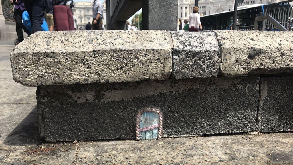 En pleno centro de Madrid: descubrimos la puerta de uno de los túneles secretos del Ratoncito Pérez