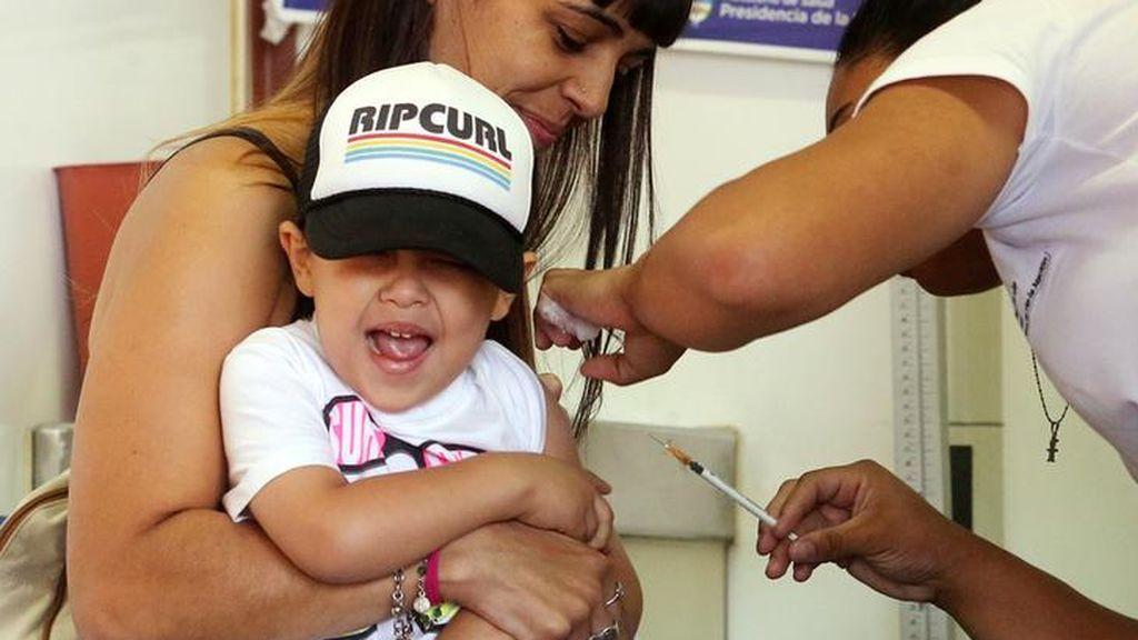 Los pediatras aconsejan proteger a los menores de doce años con la vacuna tetravalente contra el meningococo