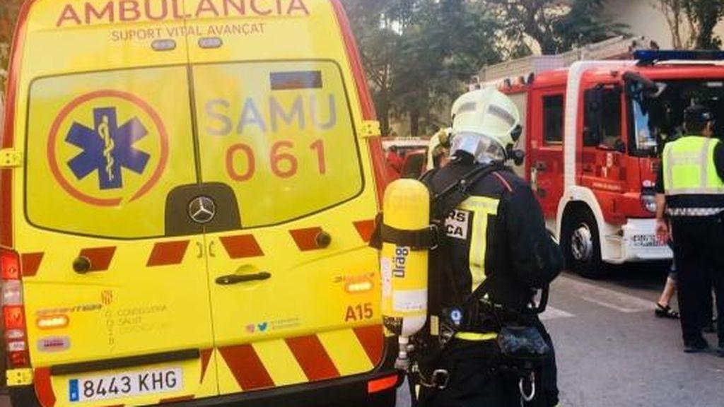 Cuatro personas heridas, una en estado crítico, en un incendio en S'Arenal de Mallorca