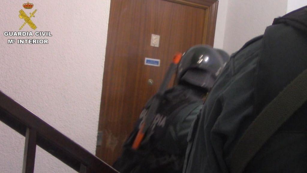 Roban a punta de pistola 107.000 euros en un banco en Villarejo de Salvanés pero les cazan en Majadahonda