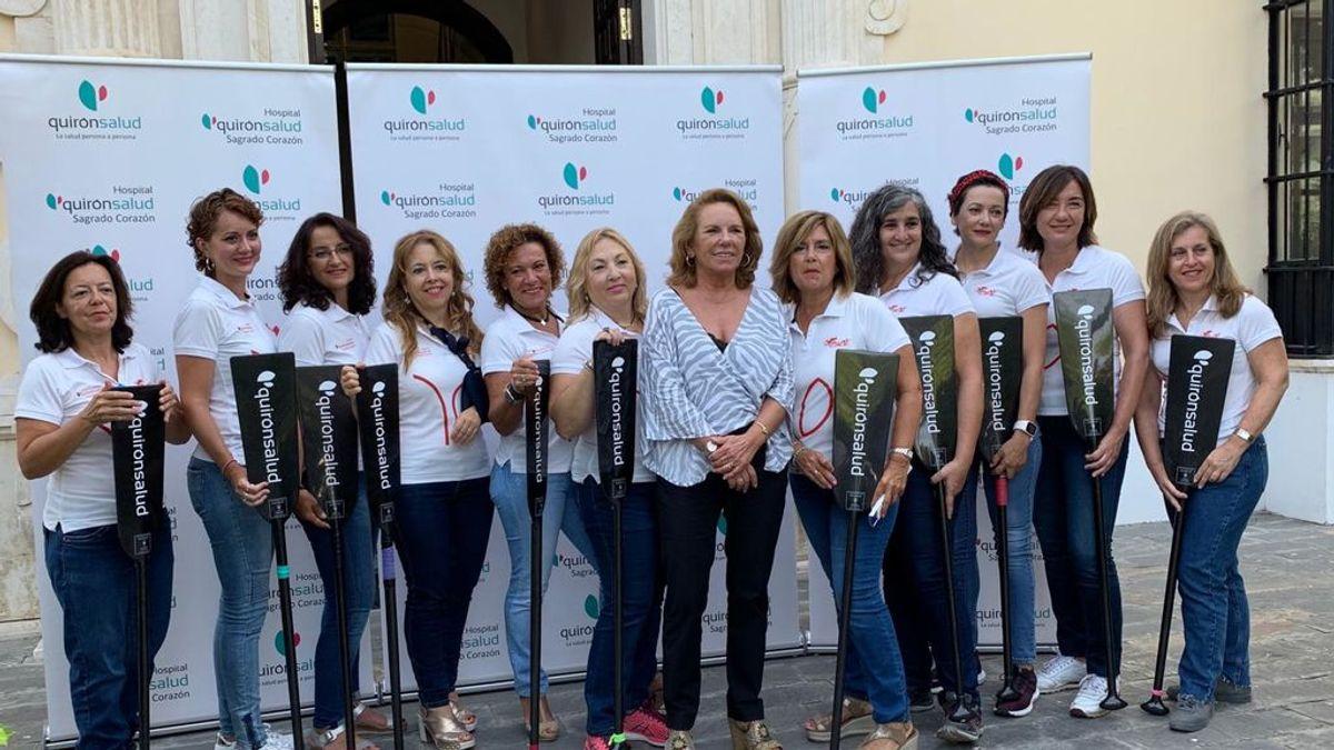 Supervivientes del cáncer de mama participan en un campeonato europeo de regata en Sevilla