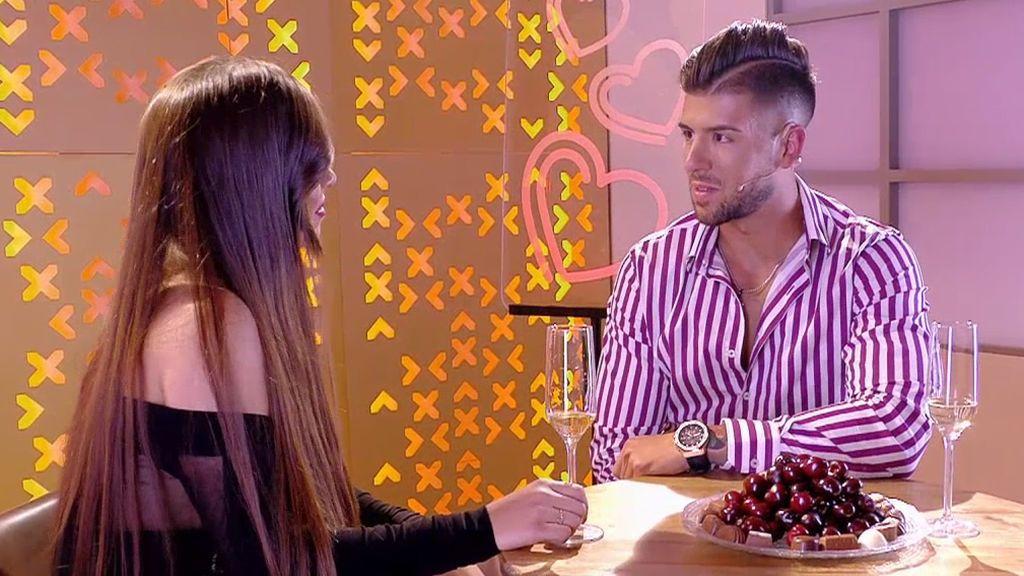 Iván y Tania quedan para verse una segunda vez en Ibiza después de mucho tonteo