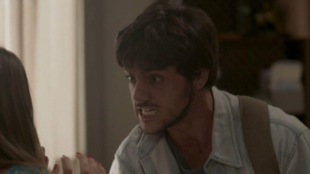 Jonathan descubre que Cassandra le drogó
